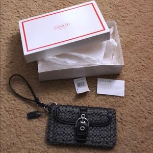 NWT Coach Wristlet (Signature Collection)